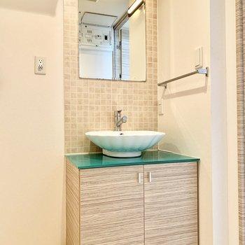 貝殻の!かわいい洗面台!(※写真は5階の同間取り別部屋のものです)