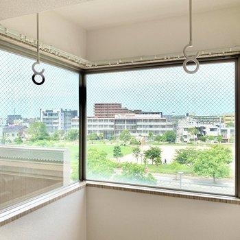 お部屋から風景画のようなステキな景色を……!(※写真は5階の同間取り別部屋のものです)
