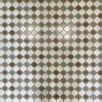 床は小ぶりなモロッカンタイル。目立ちすぎないです。