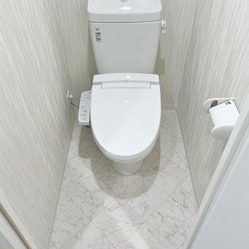 トイレはここにあります。