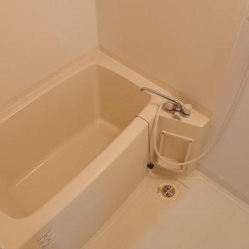 浴室はいたってシンプル。(※写真は前回募集時のものです)