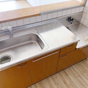【1階】シンクゆったりめなので洗い物も楽ちんですよ。