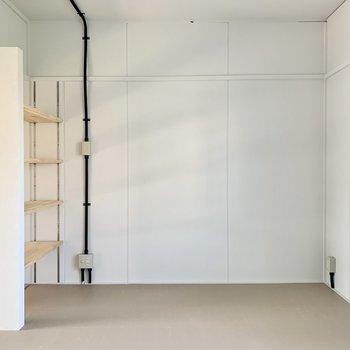 扉がないので個室感は薄めです。(※写真は4階の同間取り別部屋のものです)