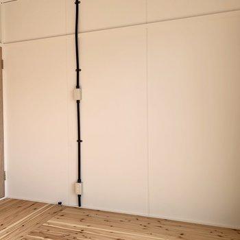 南側の洋室は無垢材デザイン。(※写真は4階の同間取り別部屋のものです)