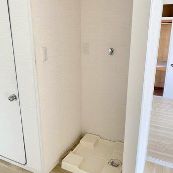 洗濯機パンは少し小さめかな。サイズは事前にご確認を。
