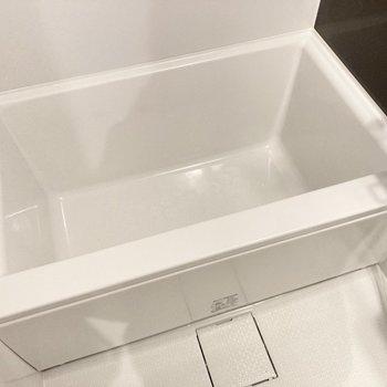 たまにはお湯をためて、好きな入浴剤で癒されたいなあ。