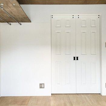 【洋室】ドアのデザインにもうっとり。