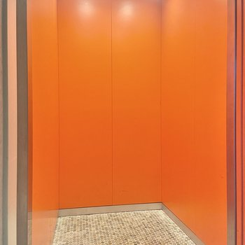 エレベーターまで!?