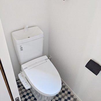 トイレです。1階からも2階からも行きやすい位置ですね。