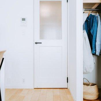【完成イメージ】廊下とお部屋をつなぐ扉。チェッカーガラスのデザインにきゅん。