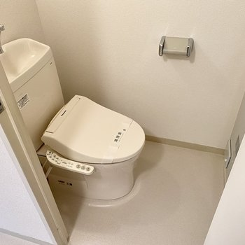 トイレは温水洗浄便座付き◎
