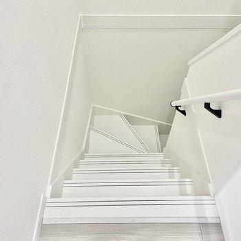 真っ白な階段!