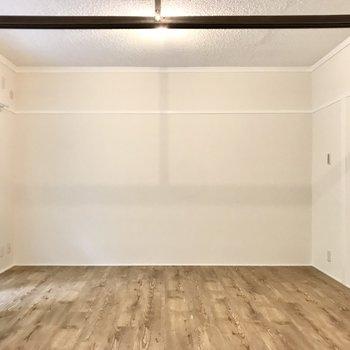 ナチュラルテイストで可愛い家具もかっこいい家具も似合いそうです