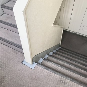 2階までは階段で!