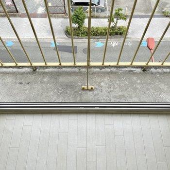 【上の階】一応足場がありますが、危ないので物は置かないのが吉。