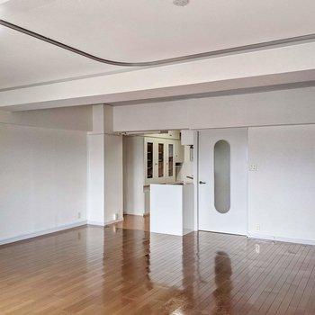 キッチンが奥まっているので家具が配置しやすいです。