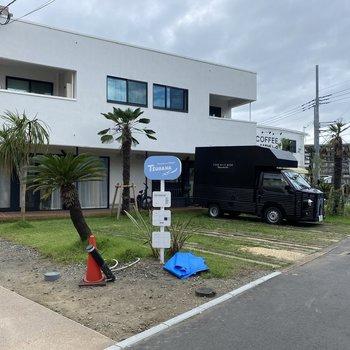 建物前の駐車場(空きなし)