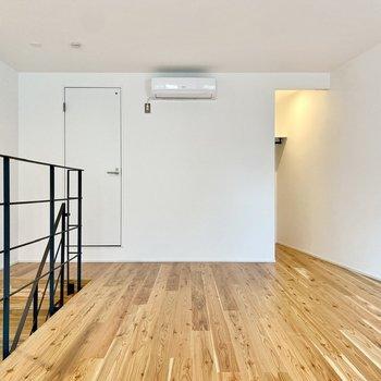 広さはサニタリースペースを除いて、13.5帖。居住にも問題なさそうな広さです。