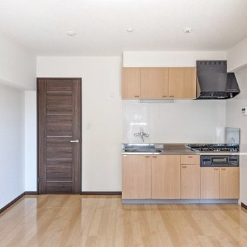 キッチンは反対側に。