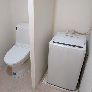 洗濯機もサービス設置品です。