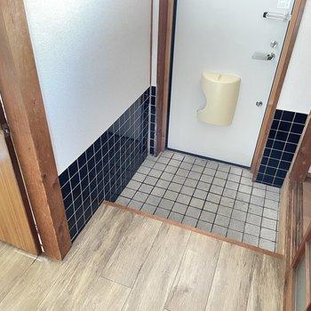 そして玄関のすぐ近くにトイレがあります。