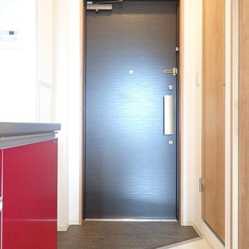 玄関のたたきはナナメに切り取られて。