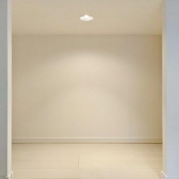 入って右側にはこんな空間。