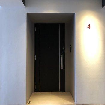 ホテルのような玄関前!