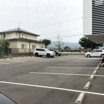 駐車場もありますよ!