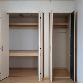【洋室】クローゼットは2箇所にあります。
