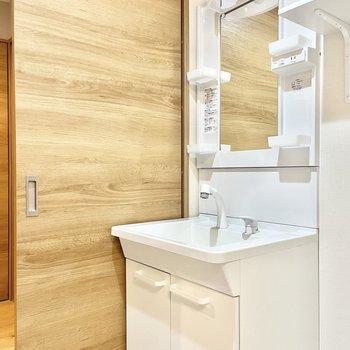 洗面台も使いやすい大きさですよ。