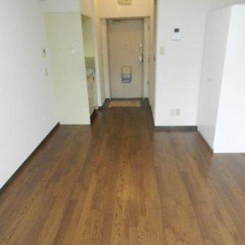 黄金町スカイマンション710号室