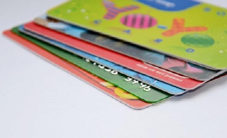 カードローンの利用限度額の決まり方と増額という選択肢