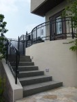 階段周りの門扉設置について