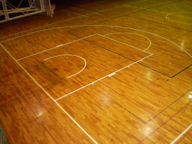 体育館床塗装、ライン引き工事は経験豊富な会社にご依頼ください