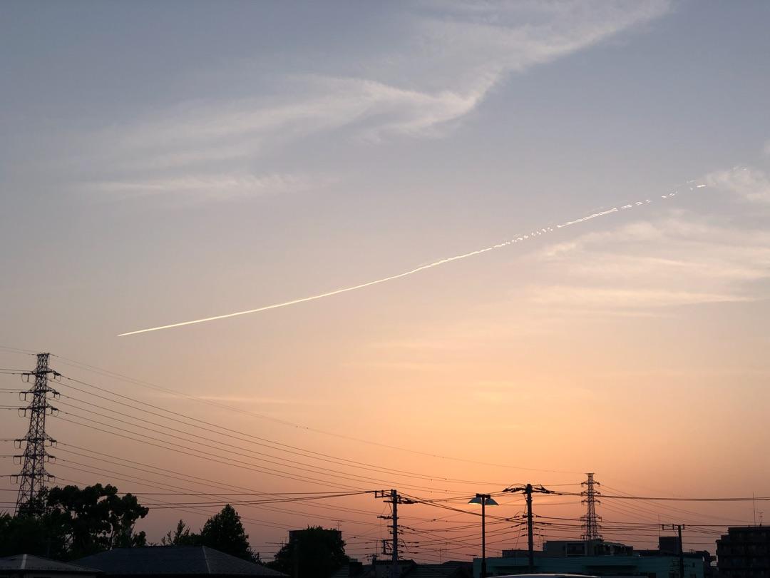 「Iメッセージで生きよう!」夕焼け空とひこうき雲に誓う!