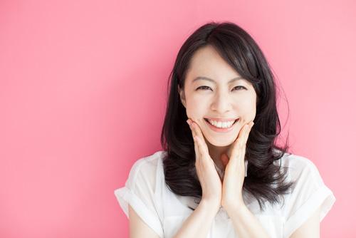歯のホワイトニングは重要!綺麗な歯は婚活でアピールポイントになります
