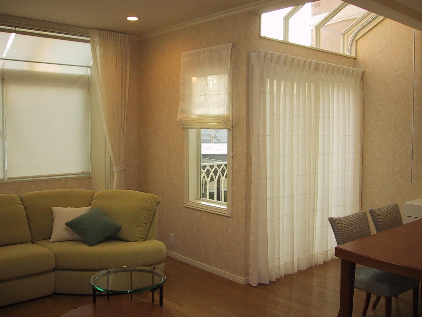 ハイサイドライトの窓装飾