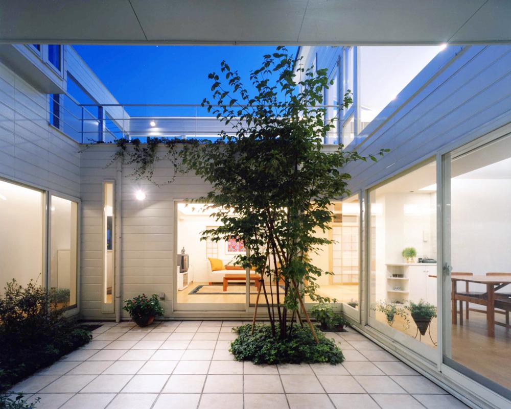 都市型住宅に最適! 『風が通り光豊かな中庭案』