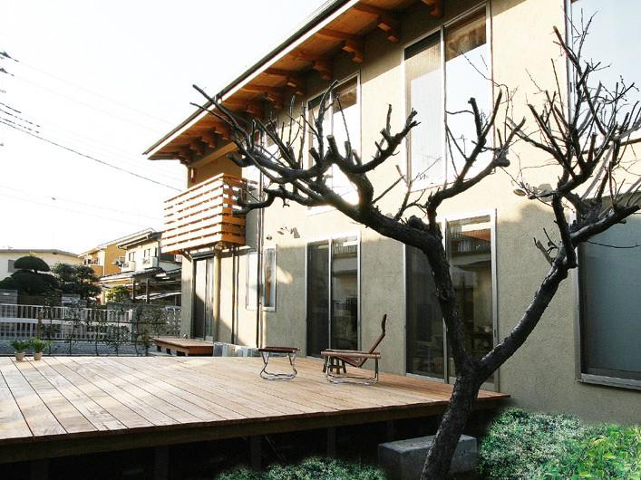 北浦和の家 広々ウッドデッキ