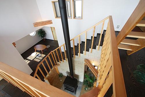 海の見える家 吹抜・回り階段・スキップフロア