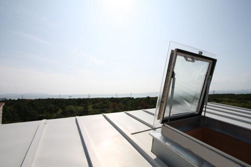 海の見える家 屋根