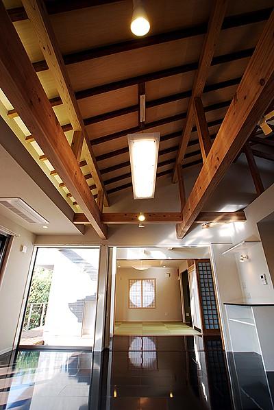三つ屋根の家04