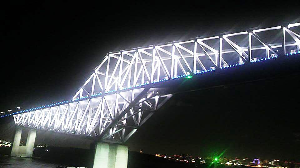 海に浮かぶ恐竜橋 「東京ゲートブリッジ」