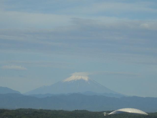 富士山と西武ドーム(6月)