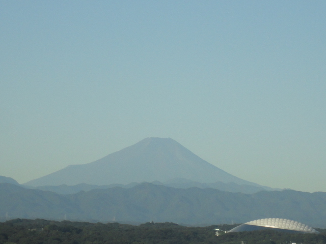 富士山と西武ドーム(9月)