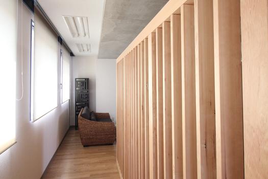 木のオフィス 木のルーバー
