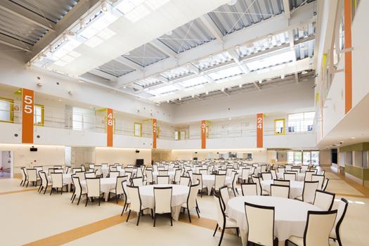 大きなデイサービス ホールデザイン