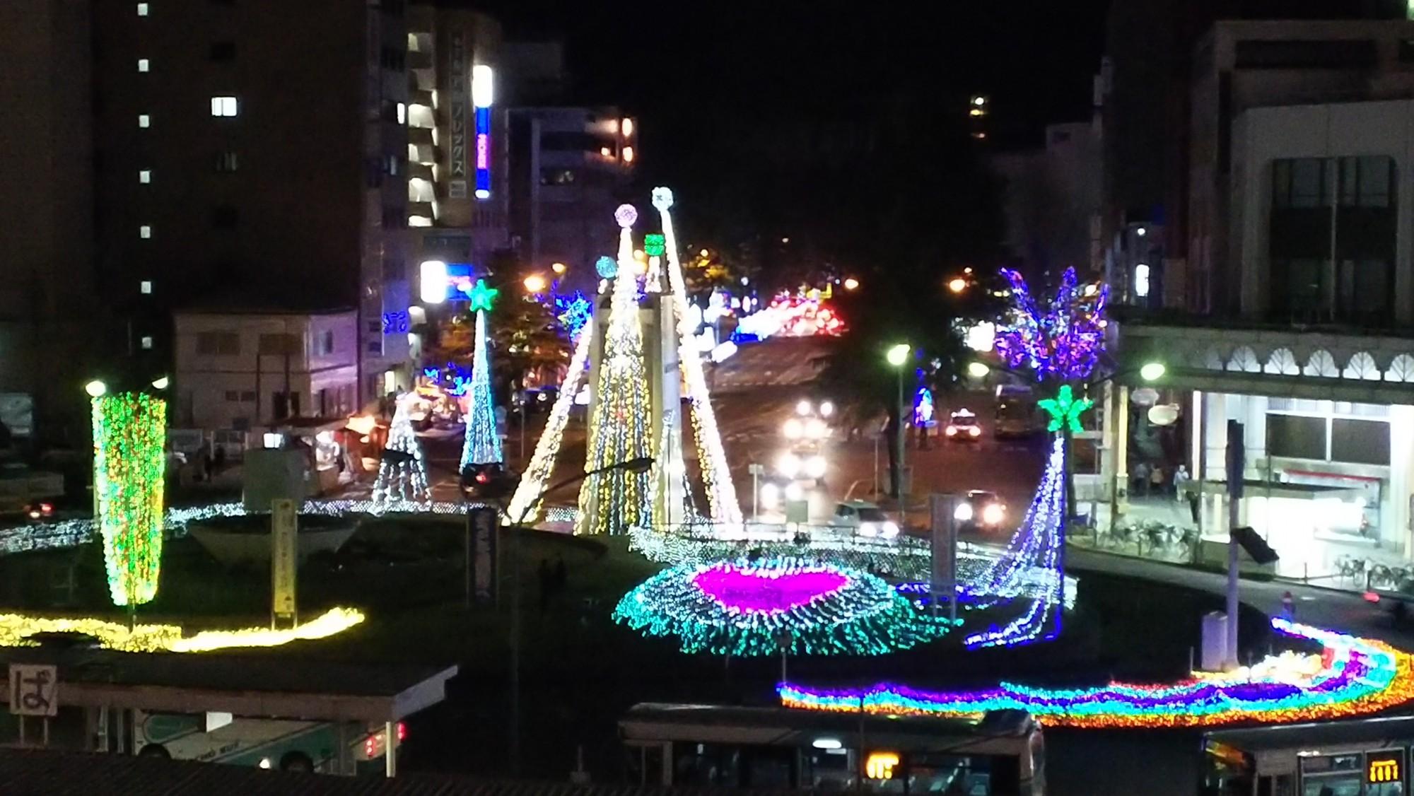 周南冬のツリーまつり~周南市駅前図書館からの風景~