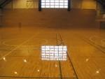 体育館 床 再塗装工事の仕上がりです。